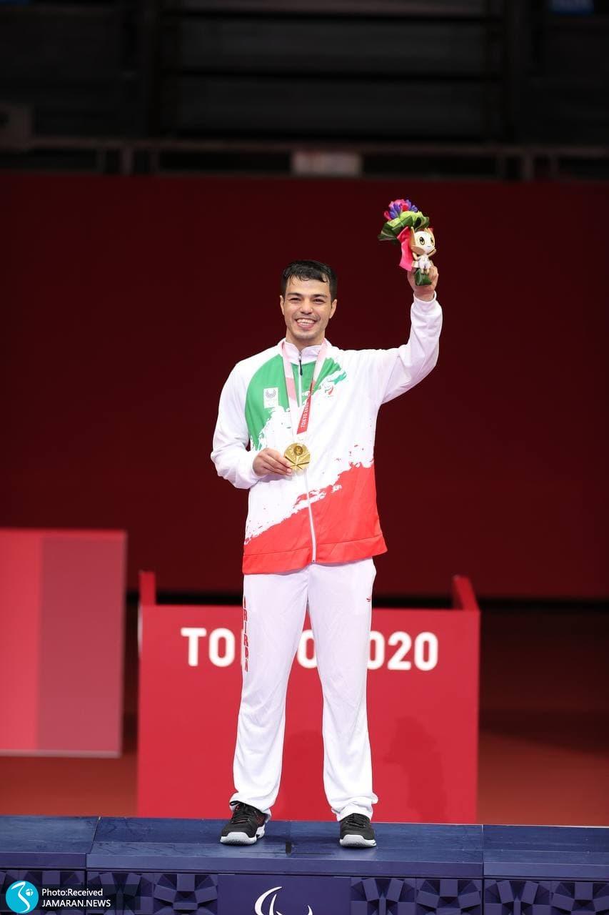 پارالمپیک 2020 - مراسم اهدای مدال طلا اصغر عزیزی اقدم