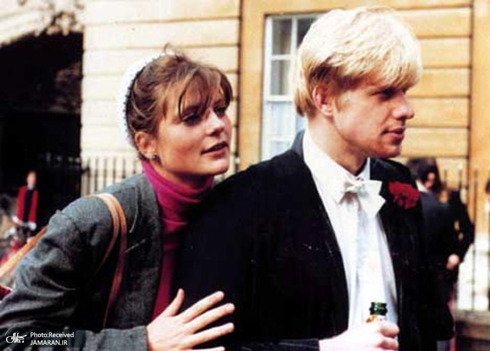 25366056-8059925-Boris_Johnson_married_Oxford_University_sweetheart_Allegra_Mosty-a-140_1583013750436