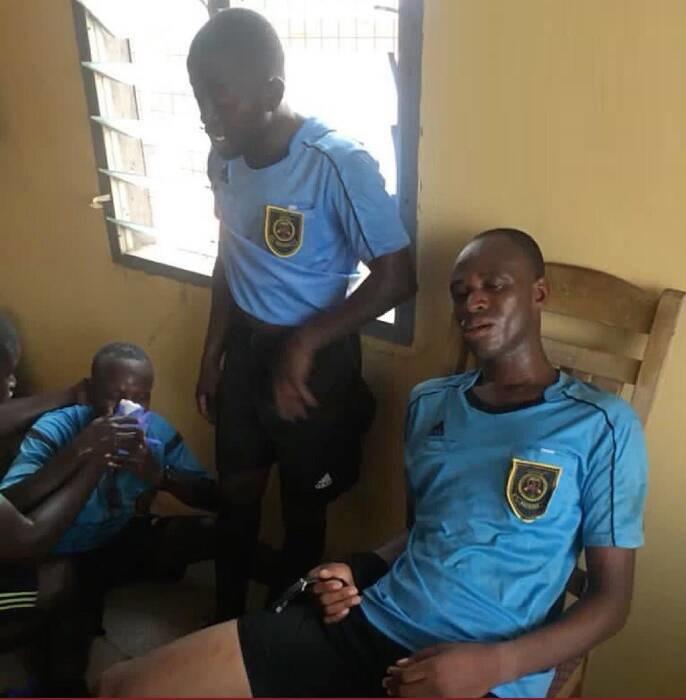 اتفاق عجیب در لیگ غنا؛ حمله شدید تماشاگران به داور