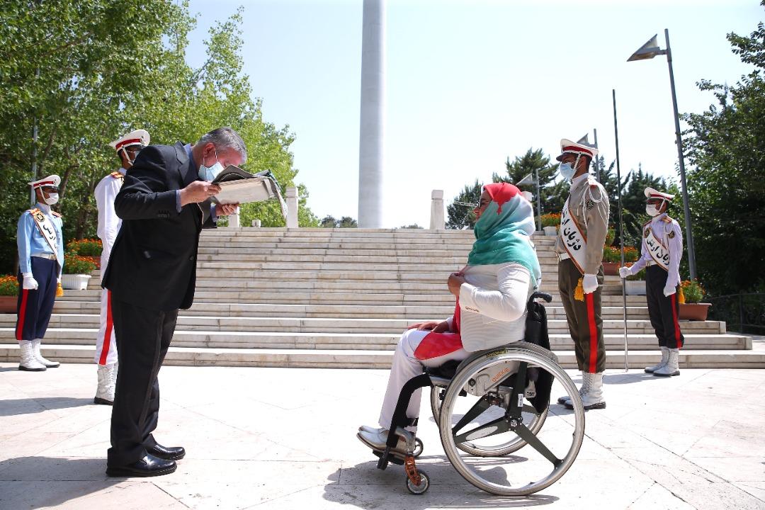 مراسم جابجایی پرچم بین پرچمدار المپیک ریو و توکیو