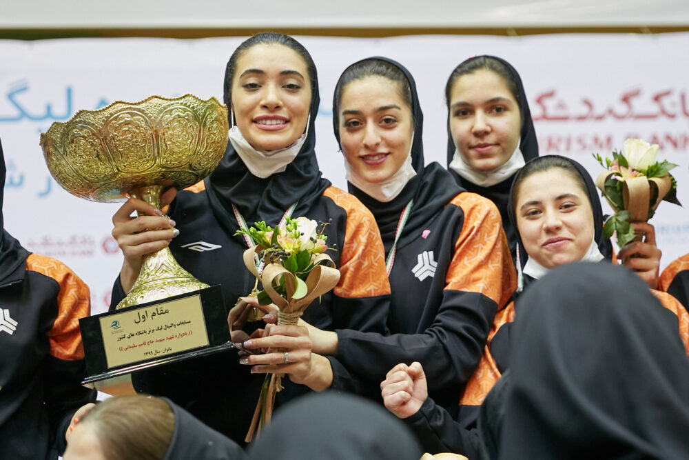 اهدای مدال و جام لیگ برتر والیبال زنان/ منبع: فدراسیون والیبال