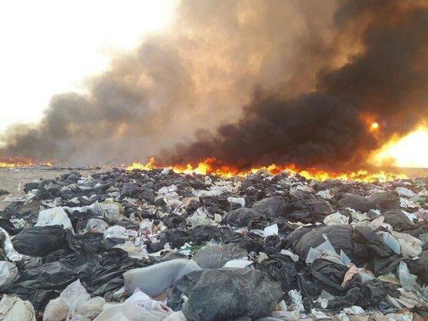 آتش کاه و کلش  دامن سایت دپوی زباله فریدونکنار را گرفت