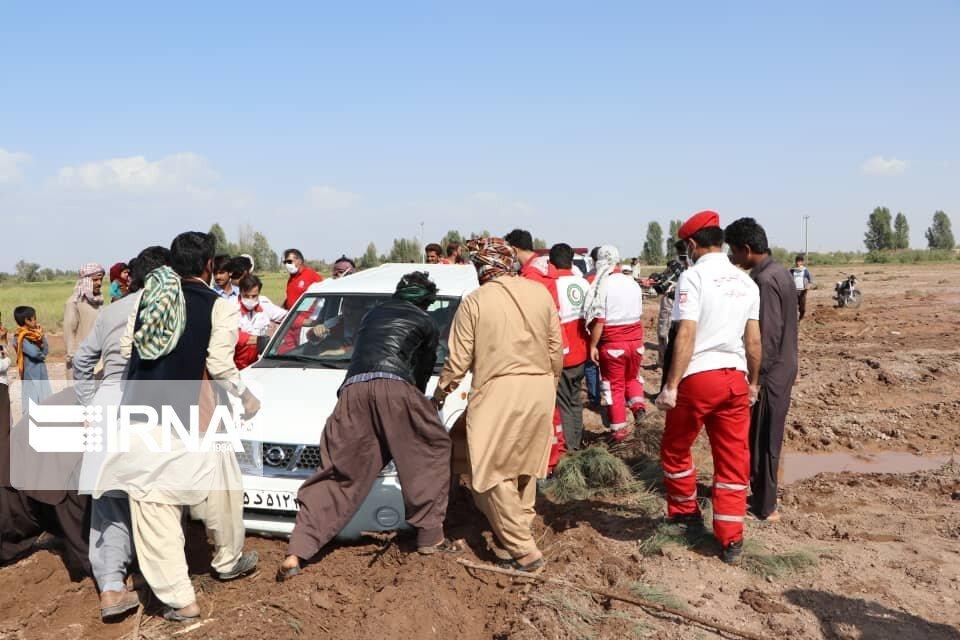 ۹۴ تیم عملیاتی هلال احمر در مناطق سیلزده سیستان و بلوچستان حضور دارند