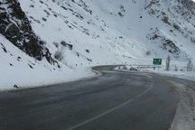 راهداری گلستان: رانندگان تجهیزات زمستانی همراه داشته باشند