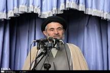 امام جمعه بروجرد: آمریکا با تحریم به دنبال کمرنگ کردن نفوذ ایران در منطقه است