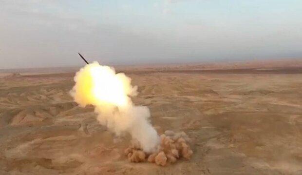 شلیک موشکهای بالستیک از اعماق زمین برای اولین بار در دنیا توسط سپاه