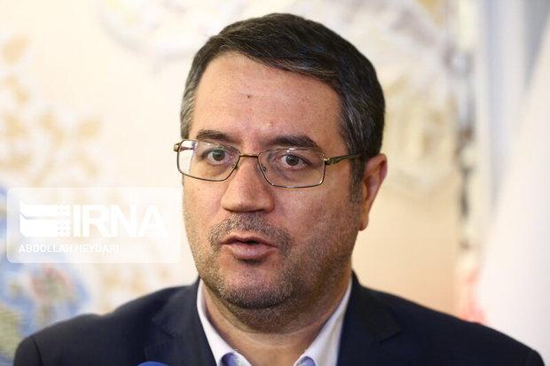 وزیر صمت از مناطق زلزله زده شهرستان میانه بازدید میکند