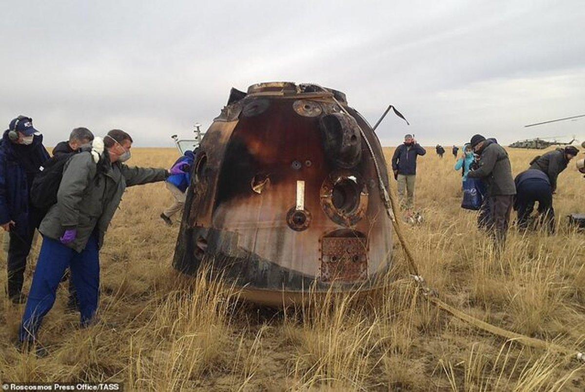 بازگشت فضانوردان به زمین+عکس