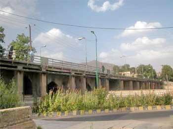 مرمت پل تاریخی صفویه در شهرستان خرمآباد