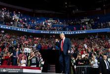 لغو سفر تبلیغاتی ترامپ به دلیل ترسش از صندلی های خالی