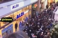 حمله مردم به یک فروشگاه بزرگ در آلمان در پی شیوع ویروس کرونا!