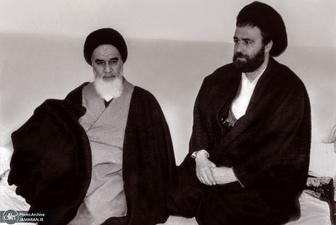 توضیح حاج احمدآقا درباره چگونگی ارسال نامه های امام به ایران