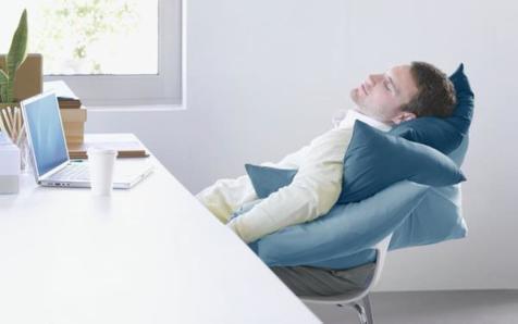 چرا دائم احساس خستگی میکنیم؟