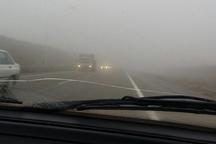 مه غلیظ در آزاد راه زنجان - تبریز دید را کاهش داده است