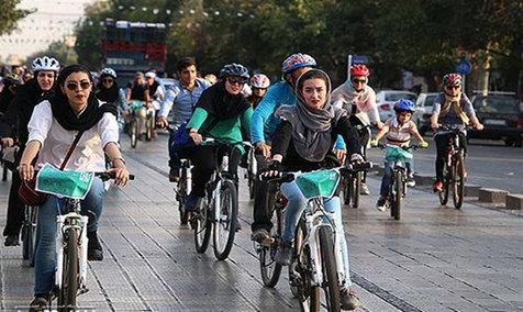 مشاور معاون شهردار تهران : دوچرخه سواری زنان منع قانونی ندارد