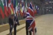 برداشتن پرچم بریتانیا از مقر اتحادیه اروپا در بروکسل