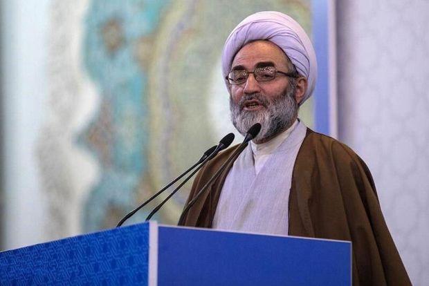 امام جمعه رشت: علاج مشکلات اقتصادی در داخل است