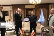 صنعت  گُل زمینه توسعه روابط ایران و هلند است