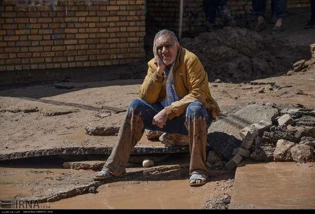 سیلاب 50 خانه را با خود برده است