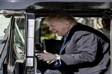  رانندگان کامیون با بوق زدن سخنرانی ترامپ را مختل کردند