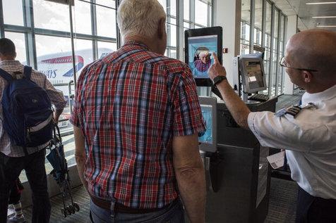 چهره شهروندان آمریکایی در فرودگاه ها اسکن می شود