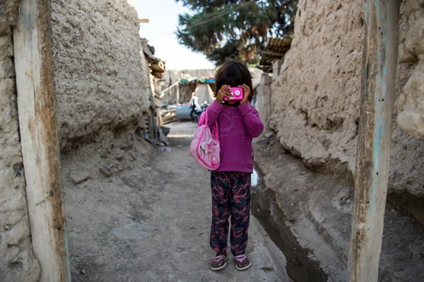 حمایت از کودکان دارای سوء تغذیه در شهرستان زاوه