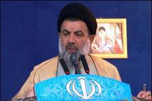 مقام معظم رهبری با همان خصوصیات امام (ره)، انقلاب را هدایت کردند