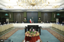 رئیس جمهور: هر کشوری که از ما کمک بخواهد کمک می کنیم و هر کمکی از سوی کشورها را هم دریافت می کنیم/ تصمیمات سخت برای حفاظت از جان مردم است