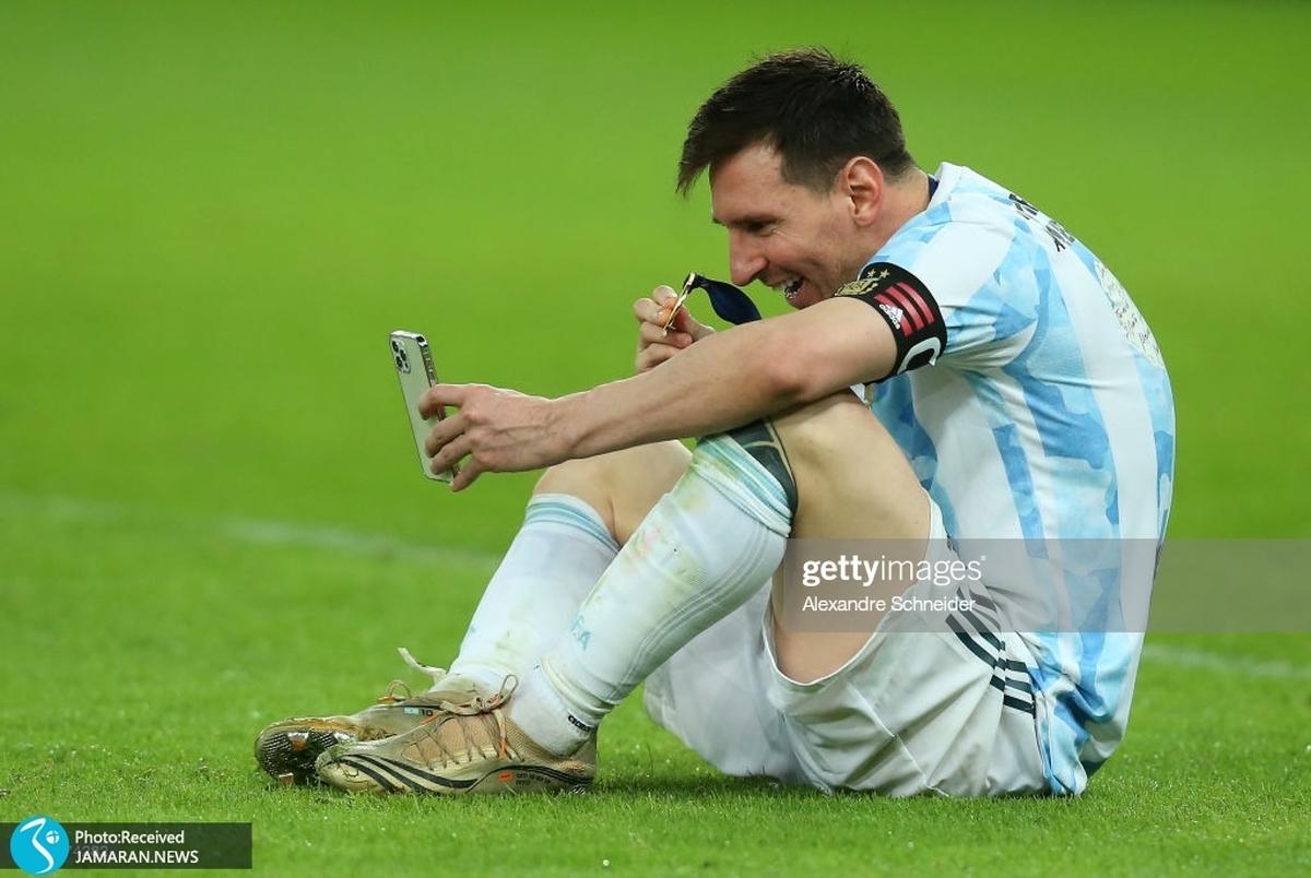 ویدیو/ خواندن سرود قهرمانی توسط پسران مسی پس از قهرمانی آرژانتین