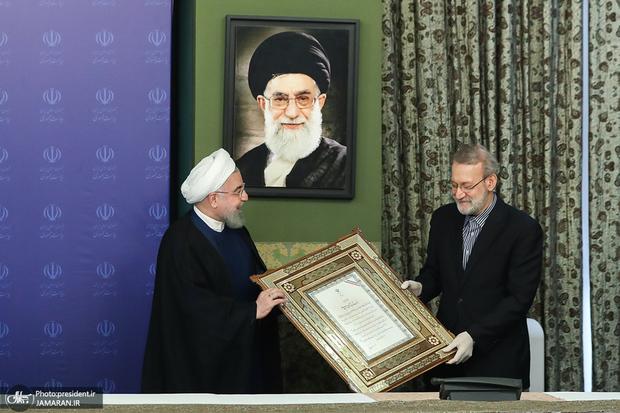 لاریجانی و روحانی مثل احمدی نژاد می شوند یا مثل خاتمی؟