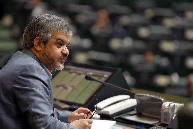 لاریجانی اجرای طرح بنزین را به نمایندگان اعلام کرده بود