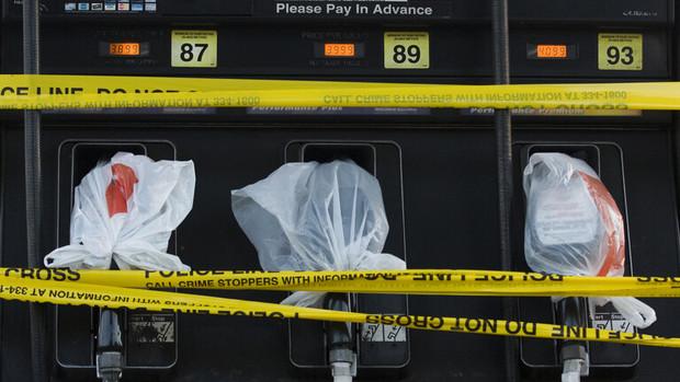 بحران سوخت در آمریکا در پی حمله سایبری بزرگ/هجوم مردم به پمپ بنزین ها