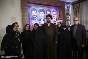 حضور سید حسن خمینی در منزل شهیدان سپهری