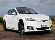 اولین خودروی برقی جهان با توان پیمایش ۴۰۰ مایل