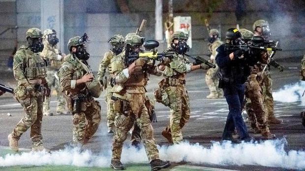 نیروهای سرکوبگر ترامپ از شهر پورتلند عقب نشینی می کنند