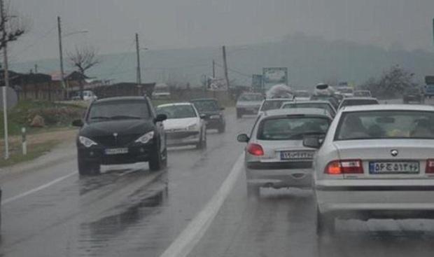 کندوان و هراز همچنان درگیر ترافیک سنگین است