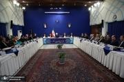 روحانی: استانداران با سرکشی به خانوادهها و افراد آسیبدیده در حادثه آبان ماه، به کمک آنان بشتابند
