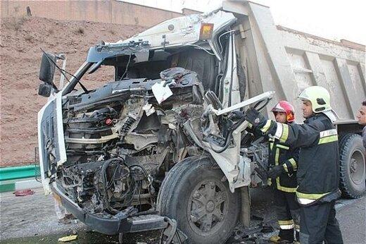 برخورد کامیون با ۲۰۶ در محور مهاباد- ارومیه، ۳ کشته برجای گذاشت