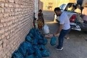 حسن رحیمی و احسان لشکری در روستاهای محروم زاهدان + عکس
