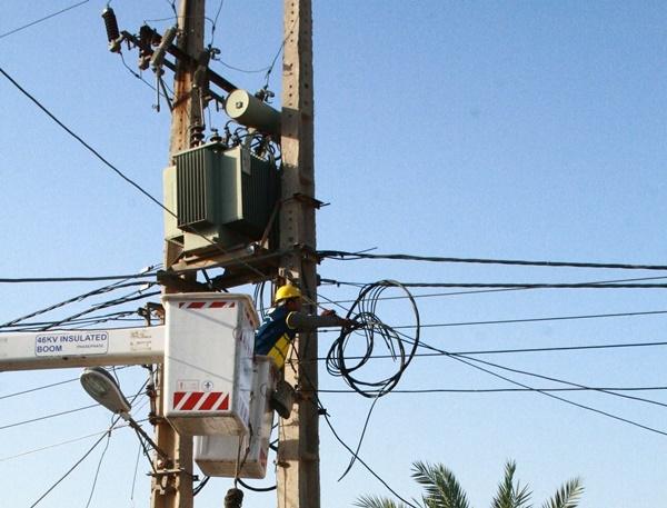 انجام بیش از ۲ هزار عملیات فنی برق بدون اعمال خاموشی در اهواز