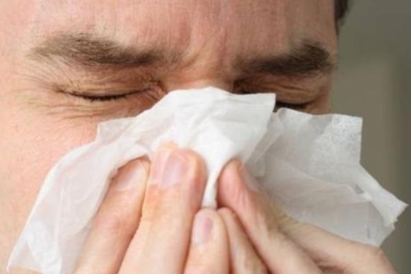 بستری شدن 4000 نفر مبتلا به آنفلوانزا در کشور