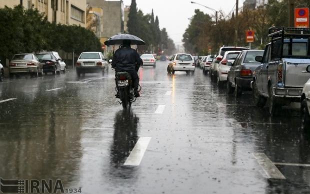 ضرورت رعایت فاصله طولی خودروها در هوای بارانی