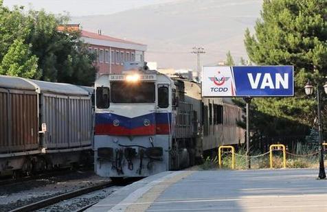 راهاندازی قطار تهران - آنکارا به تعویق افتاد