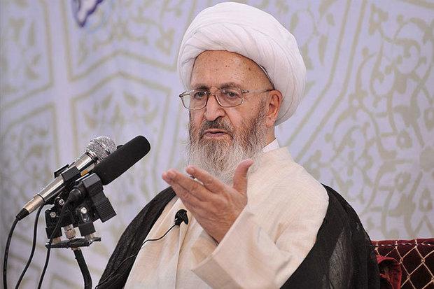هیچ وظیفه ای برای روحانیان بالاتر از تبلیغ دین اسلام وجود ندارد