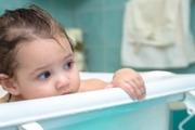 چه طور ایمنی حمام و توالت را برای کودک فراهم کنیم؟