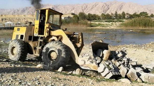 ساخت و ساز غیرمجاز درحریم و بستر رودخانه مارون تخریب می شود