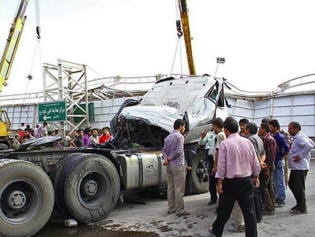 تصادف ۲ خودرو در جاده چرمشهر ۳ نفر مصدم و یک تَن کشته شد