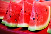 خانم های باردار و شیرده هندوانه بخورید