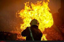 آتشسوزی در دبیرستان دخترانه رشت  اتصال برق عامل گسترش حریق  حضور 49 آتشنشان برای اطفای حریق