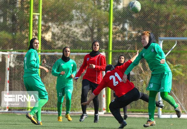 یک بانوی گیلانی به اردوی تیم ملی فوتبال دعوت شد